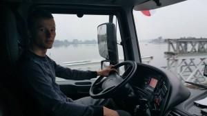 nasierowski-mlody-kierowca