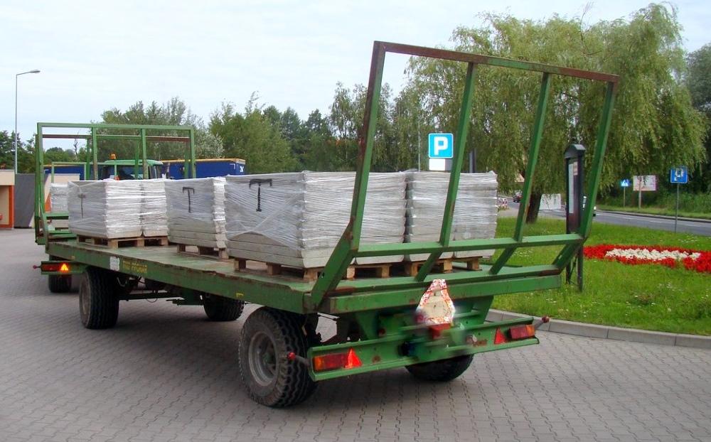 Nowość Pojazd przystosowany do przewozu słomy. Zamiast niej - betonowe BU78